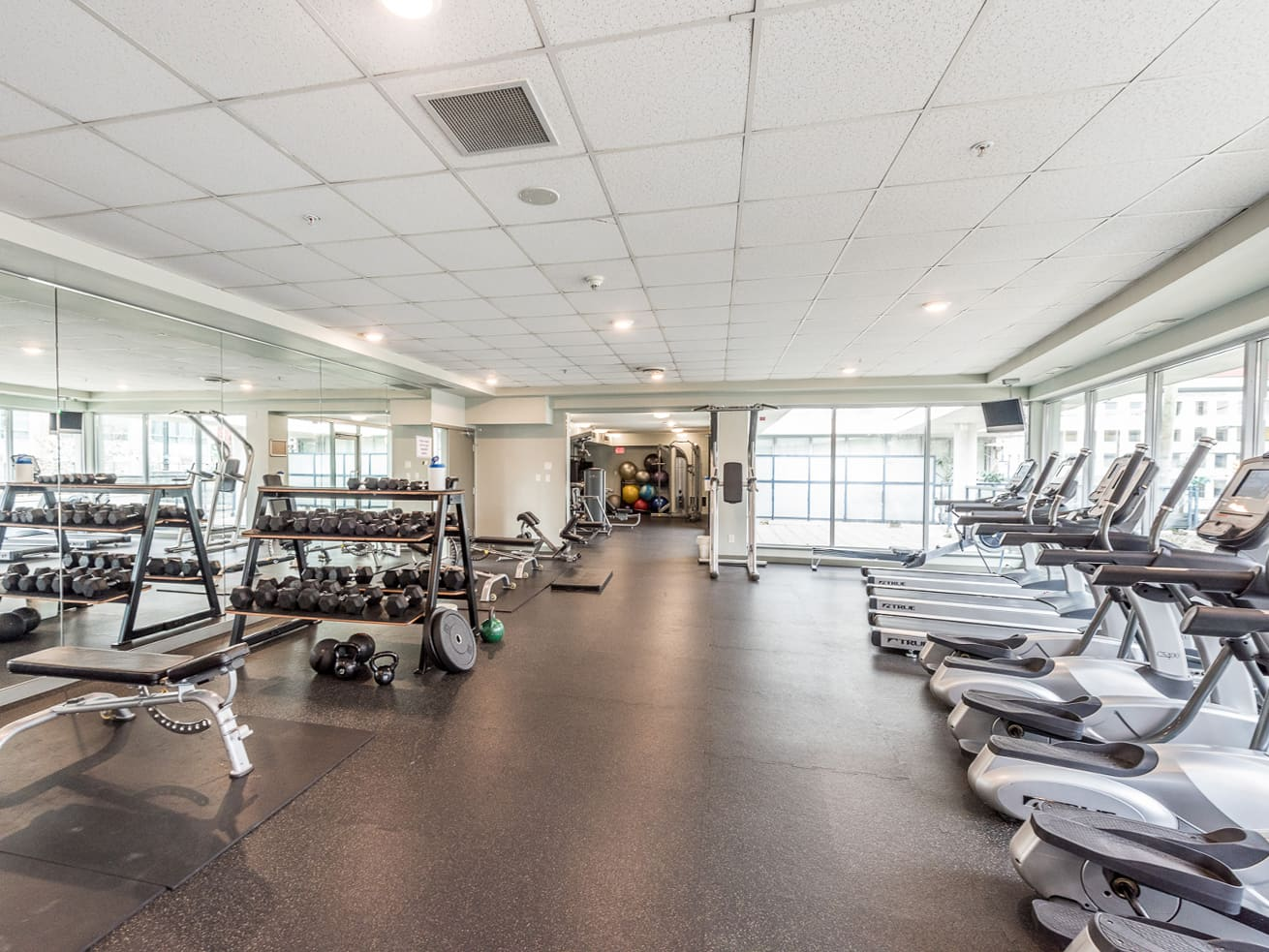 Vancouver downtown apartment max fitness facility