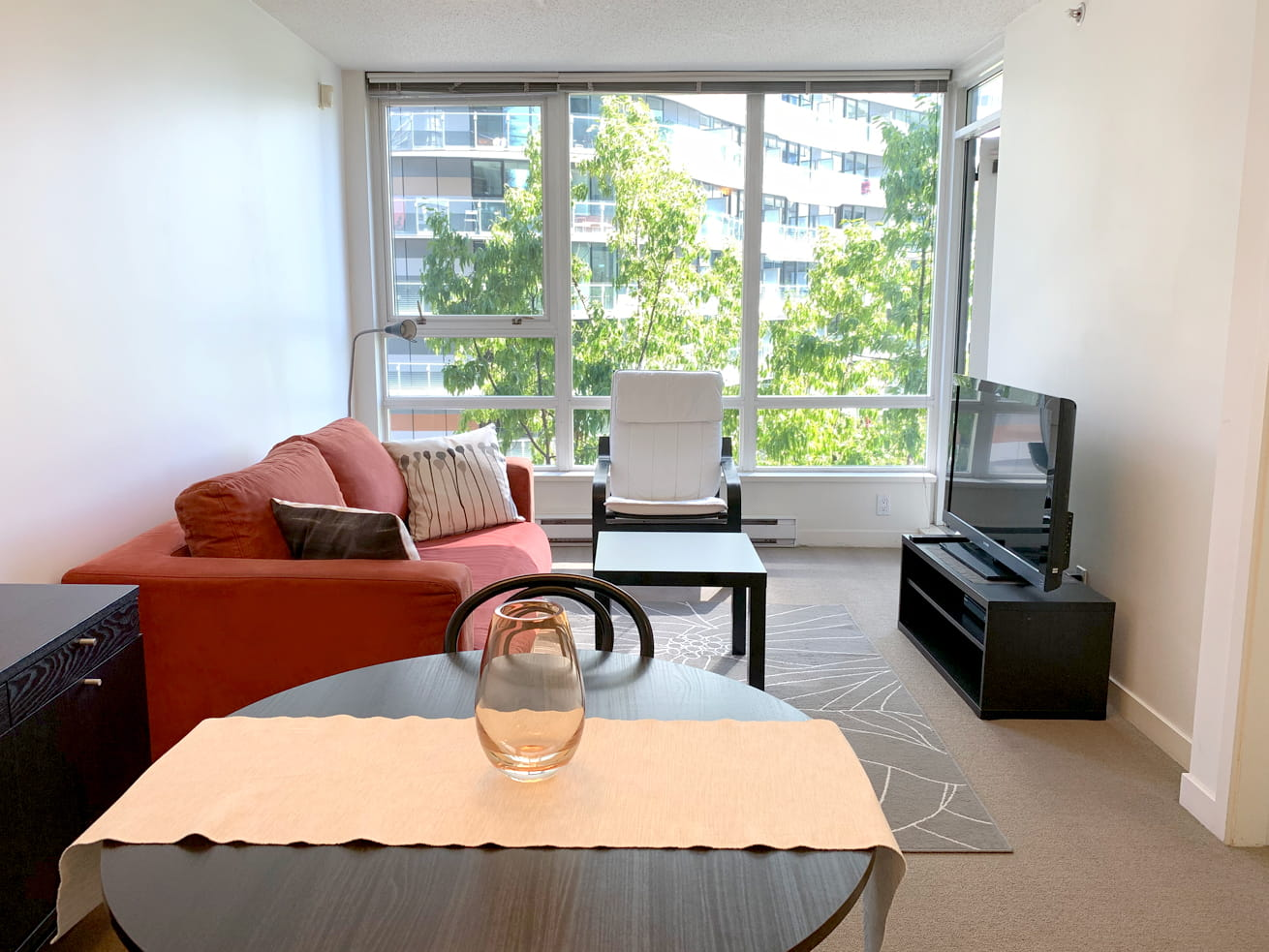 Vancouver downtown apartments max one bedroom den living room