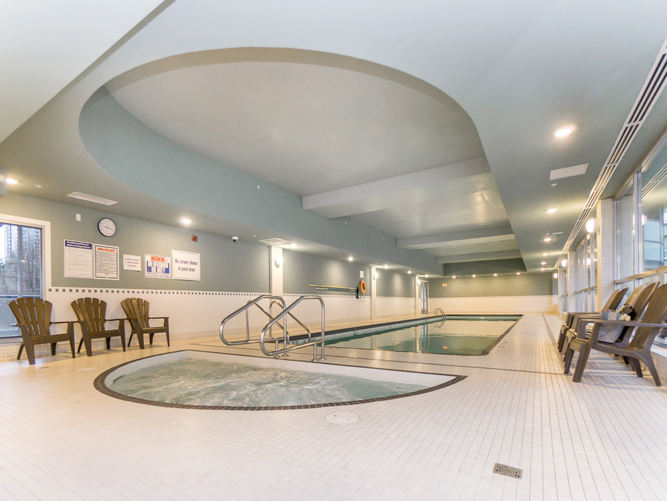 Vancouver downtown apartment max jacuzzi and swimming pool