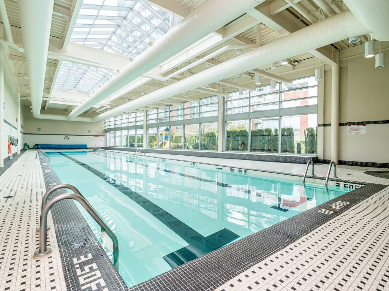 Vancouver vacation rentals firenze swimming pool
