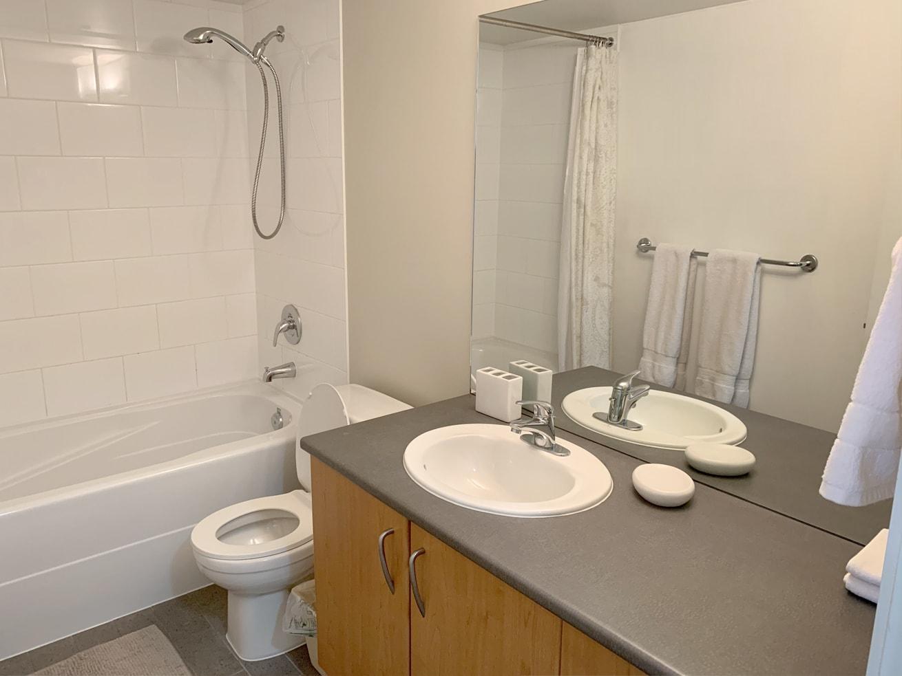 Vancouver condo rentals oscar studio bathroom
