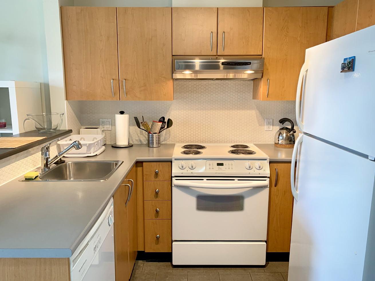 Vancouver condo rentals oscar studio kitchen