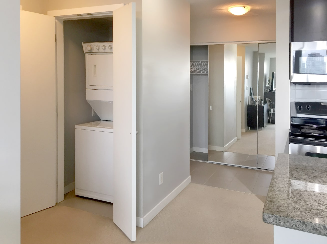Vancouver vacation rentals washer dryer closet