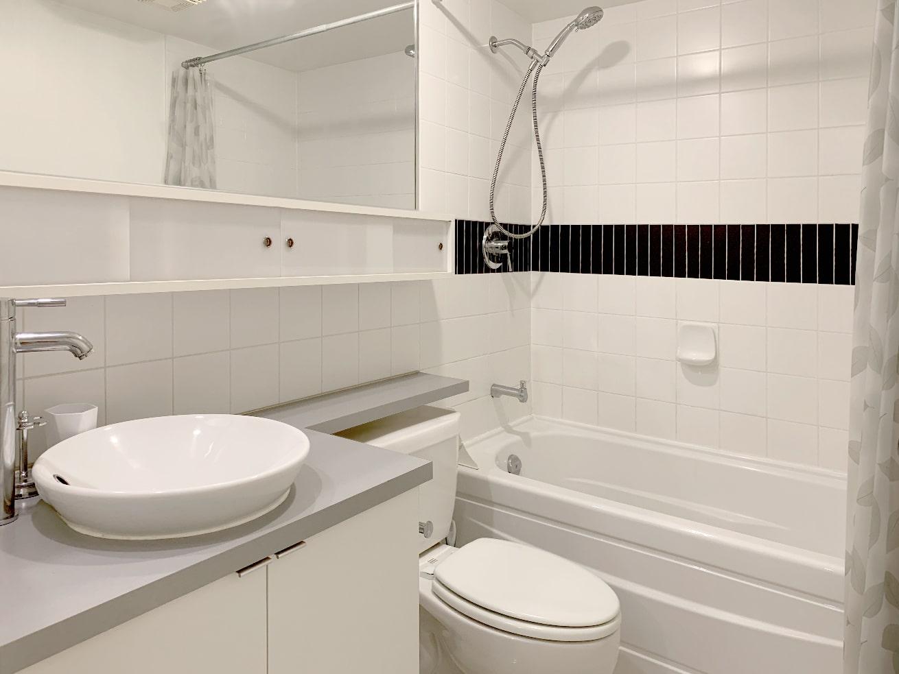 Yaletown apartment rentals max studio den bathroom